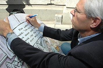 Leif Nordin skriver Kommunals avsändare på plakaten