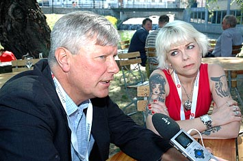 Lars Ohly och Josefin Brink på Kråkholmen, partikongress Norrköping 2008.