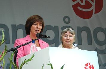 Mona Sahlin och Lisbeth Palme i Almedalen 2008.