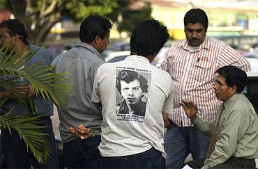 På t-tröjan syns Edgar Rene Aldama, en av de fackliga ledarna på Coca-Cola som sköts i Guatemala. Nu är han inspirerande martyr för de fackligt aktiva på Coca-Cola.