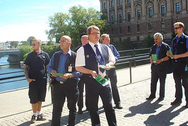 Kommunals trafiksektion i Stockholm delade ut flygblad som protesterade emot lagförslaget.