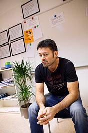 Damir Brljevic arbetar både med skolan och beteendeträningen.