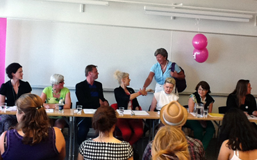 Debatt om kvinnolöner hos Feministiskt initiativ.