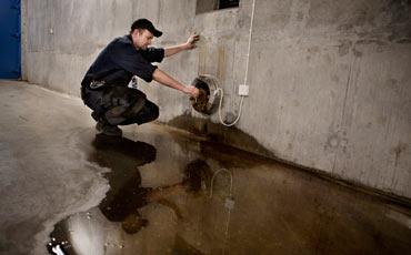 Peter Hoffman, reparatör på reningsverket under Henriksdalsberget i Stockholm.