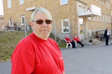 Bo Lindvall är facklig företrädare på Veolia i Norrköping och jobbar i skötselhallen, men de som jobbar där har även behörighet för att köra spårvagn om det skulle behövas och är också uttagna i strejk.