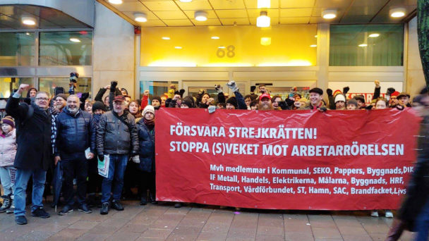 Demonstration mot förändringar i strejkrätten.