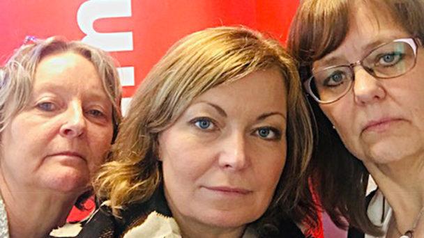 Undersköterskorna Eva Nilsson, Erika Patel och Charlotte Karlsson.