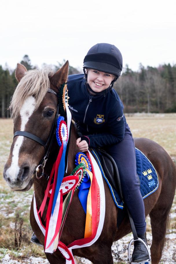 Julia och Danielle har många mästerskap i ryggen och har tagit 23 SM-medaljer, fem av dem guld.