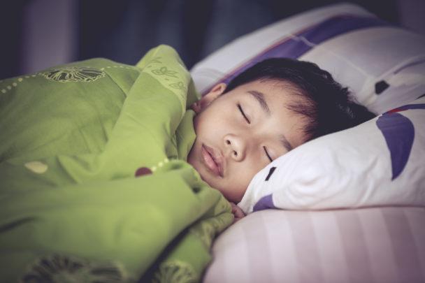 Barn som sover.
