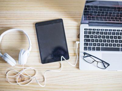 Du kan lyssna på poddar i din dator, surfplatta eller smartphone.