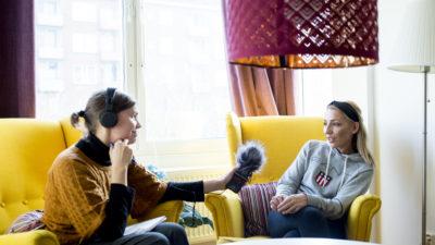 Pernilla Josefsson intervjuar undersköterskan Arbenita Ahmeti.