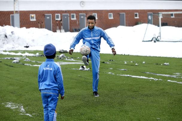 Faisal Hassan Jalle med sonen Fahad.