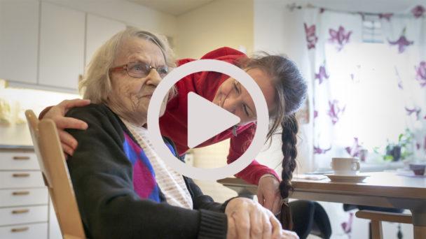 Ronja Asplund med Gertrud Hänfridsson.