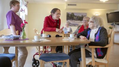 Malin Lindmark och Ronja Asplund med Gertrud Hänfridsson och Ingrid Lindgren Eriksson.