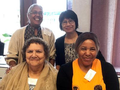 Nalini Nayak från indiska The Self Employed Womens' Association, IDWF:s generalsekreterare Elizabeth Tang från Hongkong, sydafrikanska Myrtle Witbooi, ordförande i IDWF, och Nellie Dina Kahua från Namibian Domestic and Allied Workers Union.