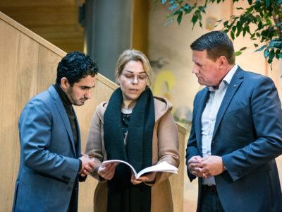 Ardalan Shekarabi (S), Selma Salimi och Tobias Baudin.