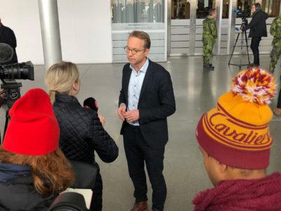 Björn Eriksson, hälso- och sjukvårdsdirektör på Region Stockholm, intervjuas.