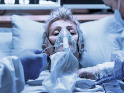 Kvinna på sjukhus (genrebild).