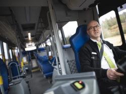 """""""Jag känner mig stolt. Det är rätt häftigt att köra ett så maffigt fordon. Det är ett stort ansvar"""", säger Björn Lorentzon."""