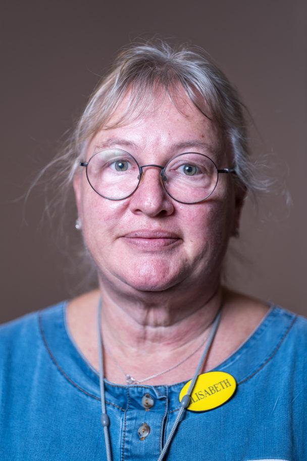 Elisabeth Blomgren, undersköterska.