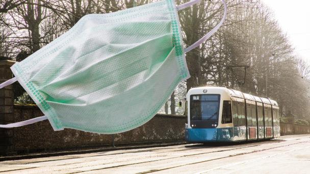 Montage av ett munskydd och en spårvagn i Göteborg.