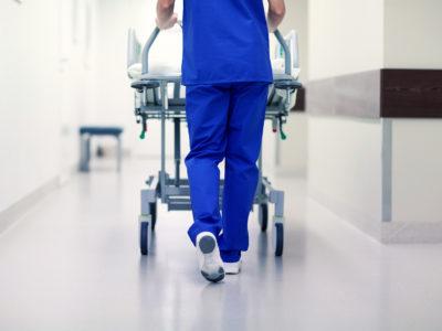 Undersköterska (genrebild).