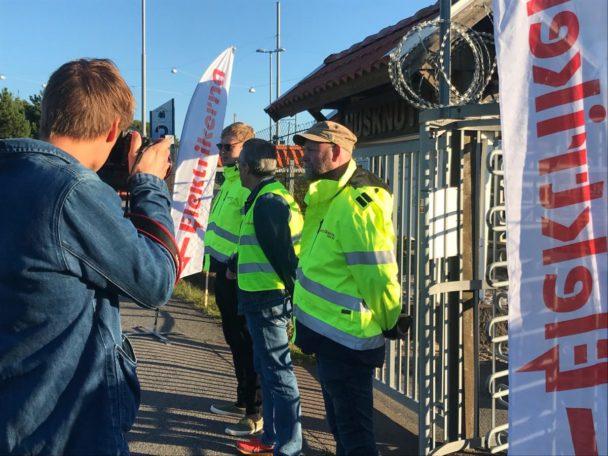 Strejkvakter vid Elektrikernas blockad i Göteborg.