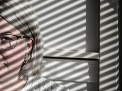 Lena Eriksson slutar som undersköterska.