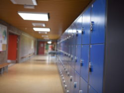 Skolkorridor (genrebild).