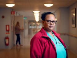 Yodit Girmay, undersköterska.