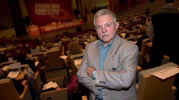 Sigvard Marjasin vid Kommunals kongress 2001.