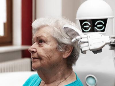 Robot i äldreomsorgen.