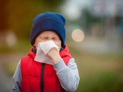 Barn med förkylningssymtom.